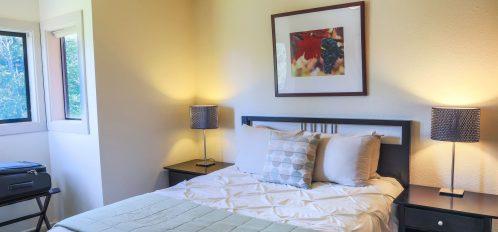 Farallon room's bedroom