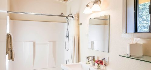 Gualala room's bathroom